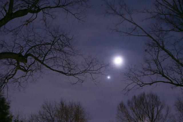 New Year's Eve Conjuction of Venus and the moon